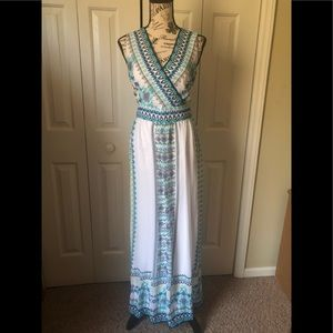 Sandra Darren Dresses - Beautiful Aztec Maxi Dress